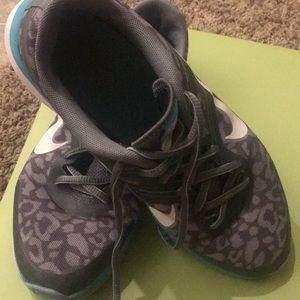 Nike Shoes - Women's Nike DualFusion Flywire